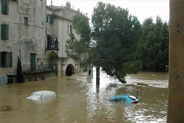 sommieres-virloude-inondation-2002.1277214043.jpg