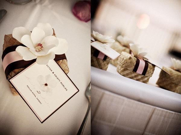 d coration de mariage tropicale fleurie chic avec des accessoires naturels paperblog. Black Bedroom Furniture Sets. Home Design Ideas