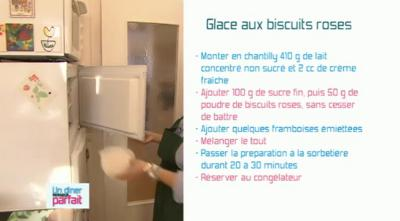 Une glace aux biscuits roses...