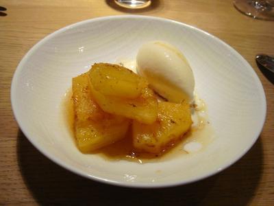 20100227 claude colliot 03 ananas roti Claude Colliot, restaurant (ChrisoScope)