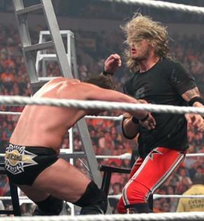 Edge et Chris Jericho en viennent aux mains