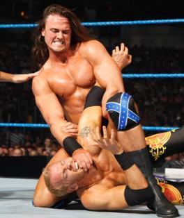 Drew McIntyre et Cody Rhodes face à Matt Hardy et Christian
