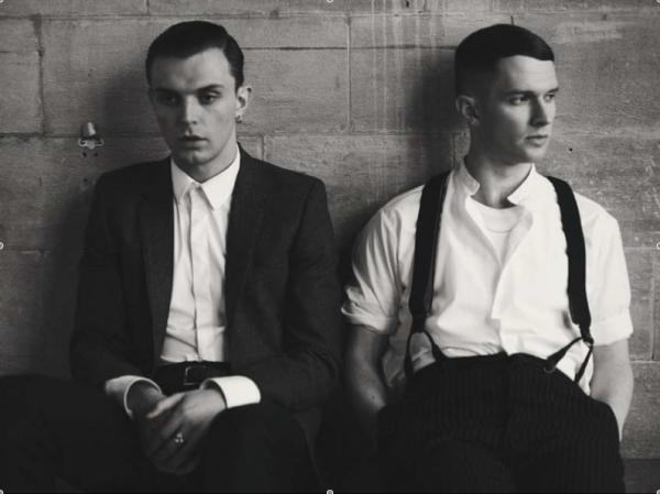 Hurts: Happiness - Stream Nouveau single prévu pour le duo...