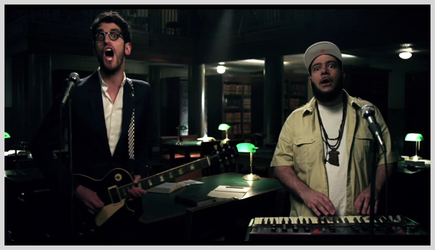 ch1 Chromeo   Dont Turn The Lights On | Clip