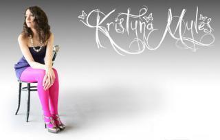 Krystina Myles: Son conte de fées continue