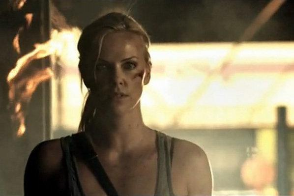 Photo : Charlize Theron dans le clip