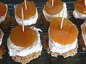 Bouchées sucrées salées pain d'épices, chèvre abricots