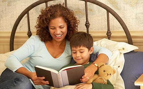 bienfaits de lire les histoires aux enfants pour s 39 endormir lire. Black Bedroom Furniture Sets. Home Design Ideas