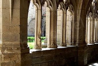 Cloître De L'abbaye Chaise Dieu Loire Paperblog La Haute wON8kXn0P