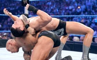 Cody Rhodes explosé par Randy Orton