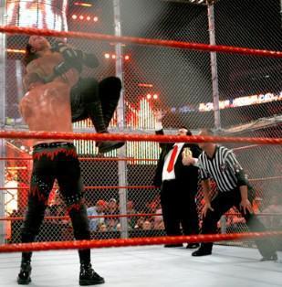 Undertaker vaincu par Kane