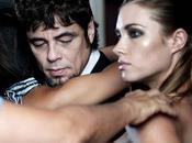 Benicio Toro immortalisé dans calendrier Campari 2011