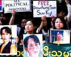 Aung san suu kyi birmanie junte élections.jpg