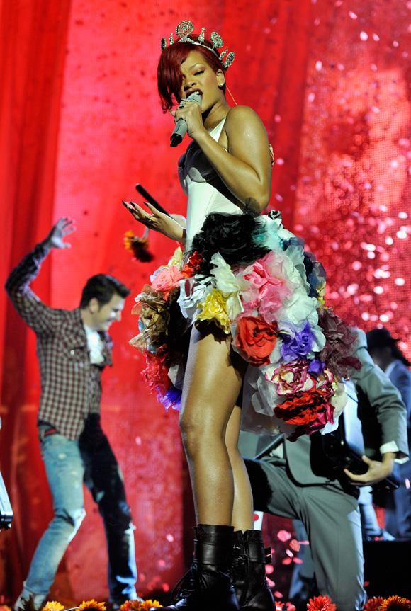 Voici l'excellente prestation de Rihanna au MTV EMA 2010