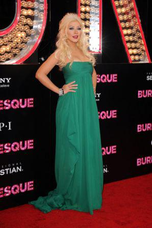 Premiere_Screen_Gems_Burlesque_Arrivals_HGF2JtoFvLol.jpg