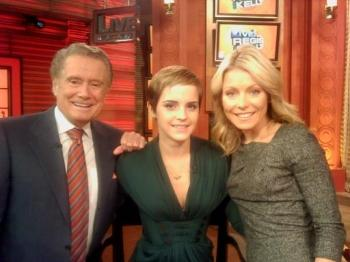 Emma Watson au Regis and Kelly Live (USA) 2010