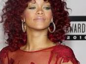 Rihanna bouclée pour American Music Awards (PHOTO)