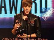 """Justin Bieber """"Meilleur Artiste l'Année 2010"""" (Vidéo)"""