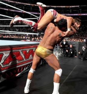 Alberto Del Rio remporte son combat dans la phase éliminatoire de King Of The Ring 2010