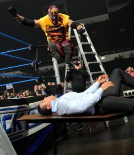 Les deux mexicains de Smackdown Alberto Del Rio et Rey Mysterio se rencontreront lors du pay per view TLC du 19 décembre 2010.
