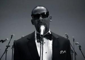 rkelly letter 300x212 Live Video: R Kelly When A Woman Loves + Number one Hit & More