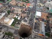 gouffre plein centre ville Guatemala city
