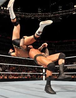 Randy Orton est opposé au rookie du Miz Alex Riley