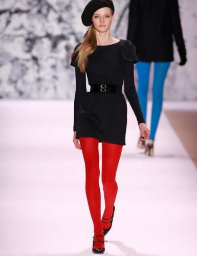 Les collants rouges!