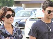 Jonas emmenage enfin chez Ashley Greene