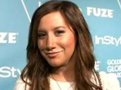 Ashley Tisdale accro Twitter
