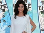 Selena Gomez Elle défend copines Demi Lovato Miley Cyrus