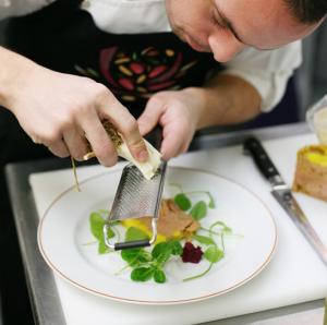 Recette de foie gras de canard par alain passard en exclusivit pour madeleine market d couvrir - Comment cuisiner le canard entier ...