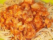 Spaghettis l'épeautre, sauce chou-fleur, tomates, oignons, ail, porto épices
