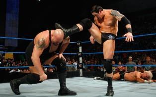 Le géant de Smackdown attaqué par Wade Barrett