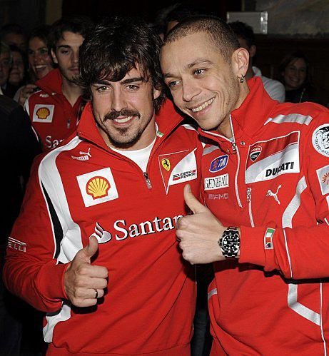 2011-01-66-Rossi-et-Alonso-Vroom-2011-big_rossi_ducati_05.jpg