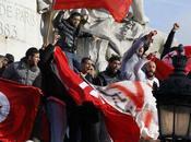 Avec peuple tunisien