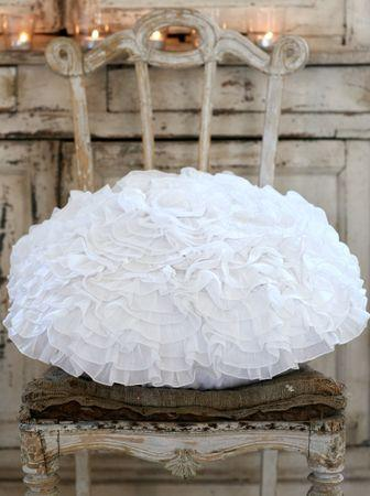 coussin_froufrou_volants_ruffle