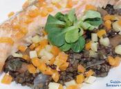 Lentilles beluga, saumon petits légumes