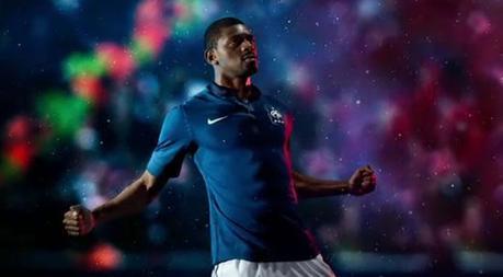 Le nouveau maillot de l'Equipe de France de football en détail
