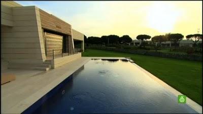 la belle maison de cristiano ronaldo madrid en images paperblog. Black Bedroom Furniture Sets. Home Design Ideas