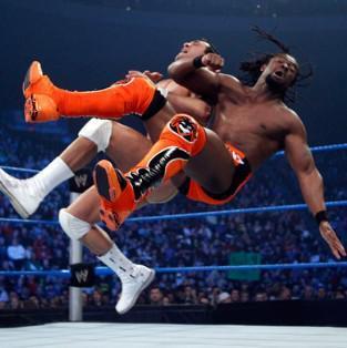 Kane et Alberto Del Rio vaincu face à Rey Rey et au Champion Intercontinental de la WWE