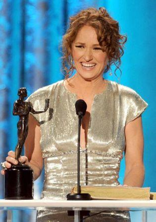 Melissa_Leo_17th_Annual_Screen_Actors_Guild_9CdO1Hb5-DMl.jpg