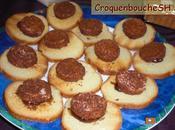Toasts foies gras deguises habits pain d'epice confit d'oignons