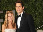 John Mayer cause Jennifer Aniston, filles l'insultent dans