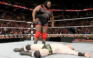 CM Punk sème la discorde entre le roi Sheamus et Mark Henry