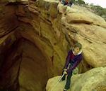 Faire balançoire dans canyon