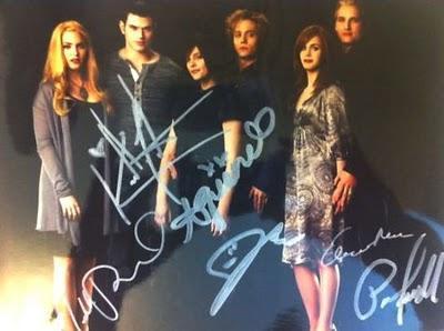 Les acteurs de Twilight signent pour la bonne cause