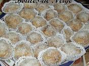 Boules neige petits gâteaux fondants confiture noix coco