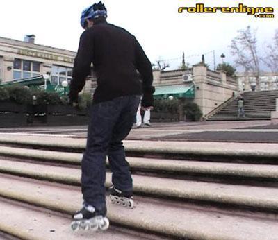 Monter un escalier en roulant dans les marches