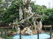 Udonthani. Curiosité. l'arbre femmes